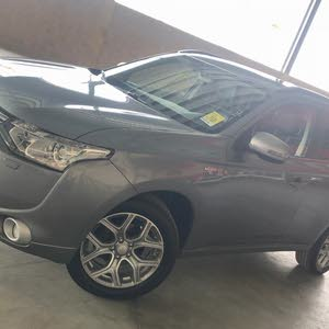 Mitsubishi Outlander made in 2014 for sale