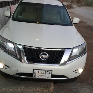 White Nissan Pathfinder 2014 for sale