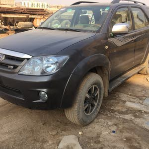 Used condition Toyota Fortuner 2006 with  km mileage