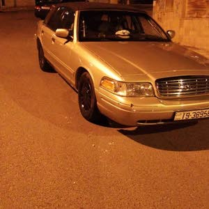 km Ford Crown Victoria 2000 for sale