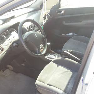 Used condition Peugeot 307 2005 with +200,000 km mileage