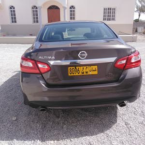 For sale 2016 Brown Altima