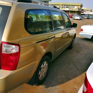 Used condition Kia Carnival 2010 with 20,000 - 29,999 km mileage