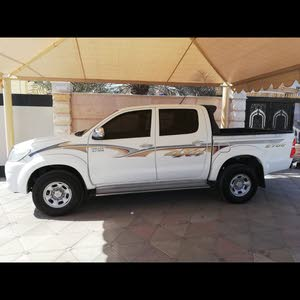 Available for sale! 1 - 9,999 km mileage Toyota Hilux 2013
