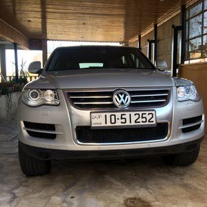 Automatic Silver Volkswagen 2010 for sale