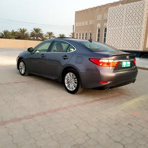 Lexus ES car for sale 2015 in Barka city