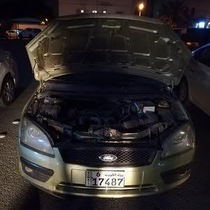 للبيع  سياره فورد فوكس هاتش باك  موديل 2006  سيارة نظيفه (جير ماكينه شاصي) جيد