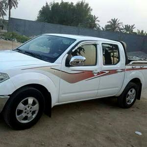 White Nissan Navara 2014 for sale
