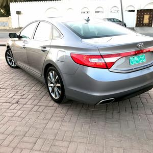 Hyundai Azera 2015 For sale - Grey color
