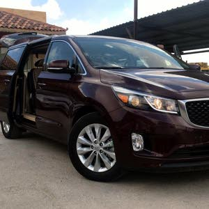 Automatic Maroon Kia 2017 for sale