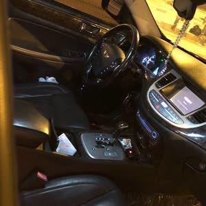 Used condition Hyundai Genesis 2009 with +200,000 km mileage