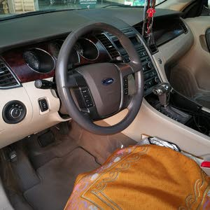 Grey Ford Taurus 2011 for sale