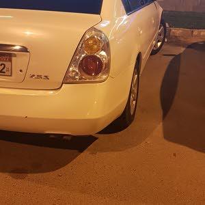 For sale Nissan Altima car in Abu Dhabi
