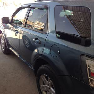 Available for sale! +200,000 km mileage Mercury Mariner 2010
