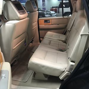 Ford Expedition car for sale 2009 in Kuwait City city