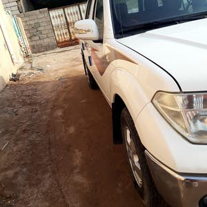 Nissan Navara 2013 For sale - White color