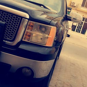 +200,000 km mileage GMC Sierra for sale