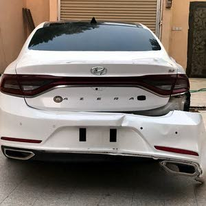 For sale 2018 White Azera