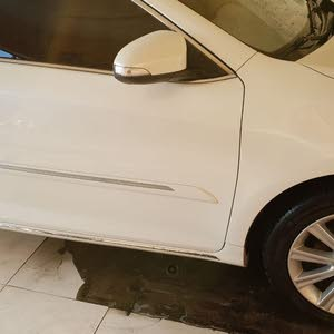 Toyota Aurion 2013 For sale - White color
