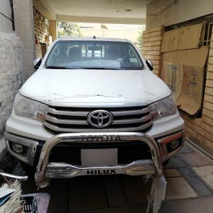 10,000 - 19,999 km Toyota Hilux 2017 for sale