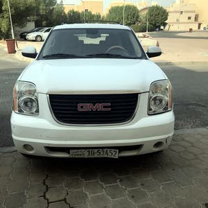 GMC Yukon car for sale 2011 in Mubarak Al-Kabeer city