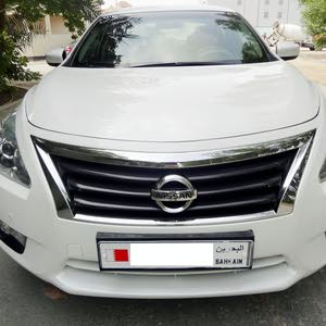 Nissan Altima (SV) > 2014 > 2.5 L Engine > Fully Agent Maintained Car for Sale..