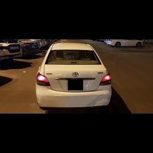 Toyota Yaris 2011 For sale - White color