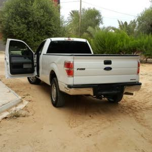 Ford F-150 2011 For sale - White color