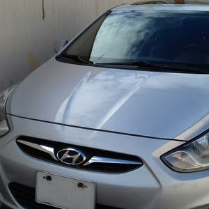 Grey Hyundai Accent 2013 for sale