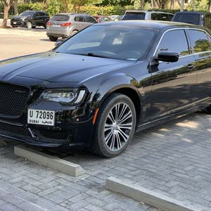 Used Chrysler 300C for sale in Sharjah
