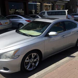 Used condition Nissan Maxima 2012 with +200,000 km mileage