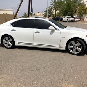 Used condition Lexus LS 2009 with +200,000 km mileage