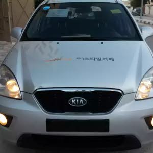Kia Carens made in 2011 for sale