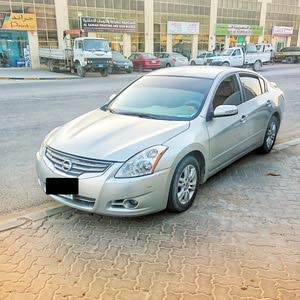 Used Nissan Altima for sale in Ajman