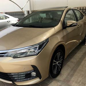 Gold Toyota Corolla 2018 for sale