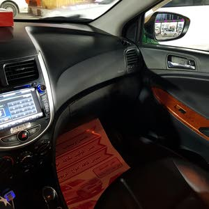 Hyundai Accent 2013 For sale - Yellow color