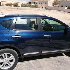For sale 2012 Blue Qashqai