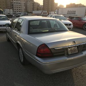 Used condition Ford Crown Victoria 2008 with 190,000 - 199,999 km mileage