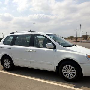Used 2011 Kia Carnival for sale at best price