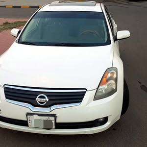 Automatic White Nissan 2008 for sale