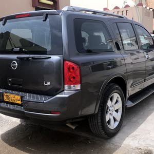 Used condition Nissan Armada 2010 with +200,000 km mileage