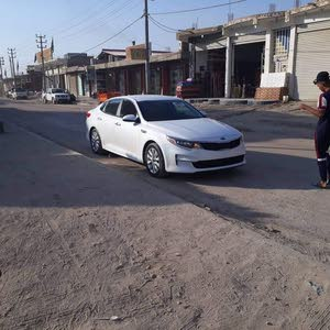 White Kia Optima 2018 for sale