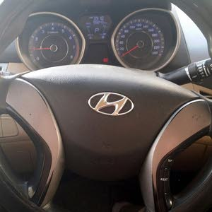 Hyundai Elantra car for sale 2014 in Jeddah city