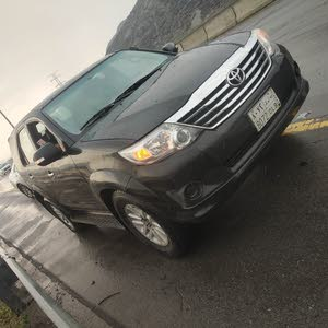 black fortuner 4*4 with everything perfect no work in car 4 cylinder selling due