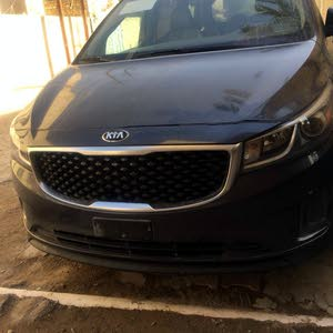 Used condition Kia Carnival 2017 with 1 - 9,999 km mileage