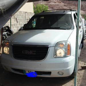 GMC Yukon 2013 For sale - White color