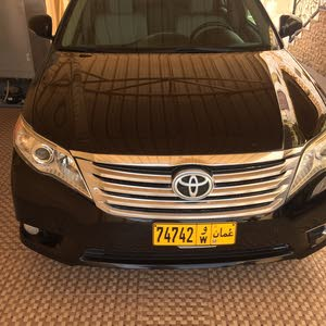 Used condition Toyota Avalon 2011 with +200,000 km mileage