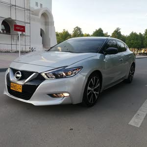 Used condition Nissan Maxima 2016 with 40,000 - 49,999 km mileage