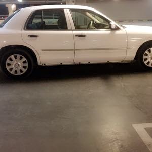 Ford Crown Victoria 2005 For sale - White color
