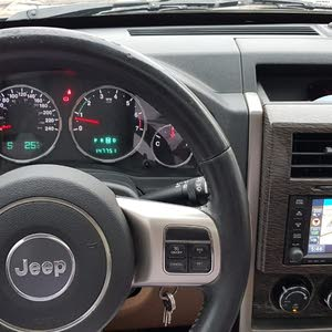 Jeep Cherokee car for sale 2012 in Salala city